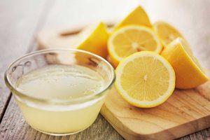 świeży sok z cytryny